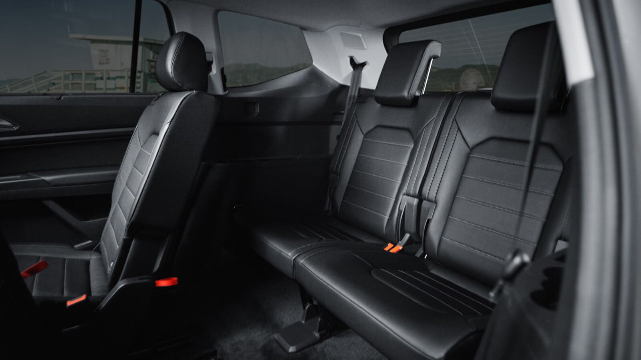 biggest cargo space midsize autos post. Black Bedroom Furniture Sets. Home Design Ideas