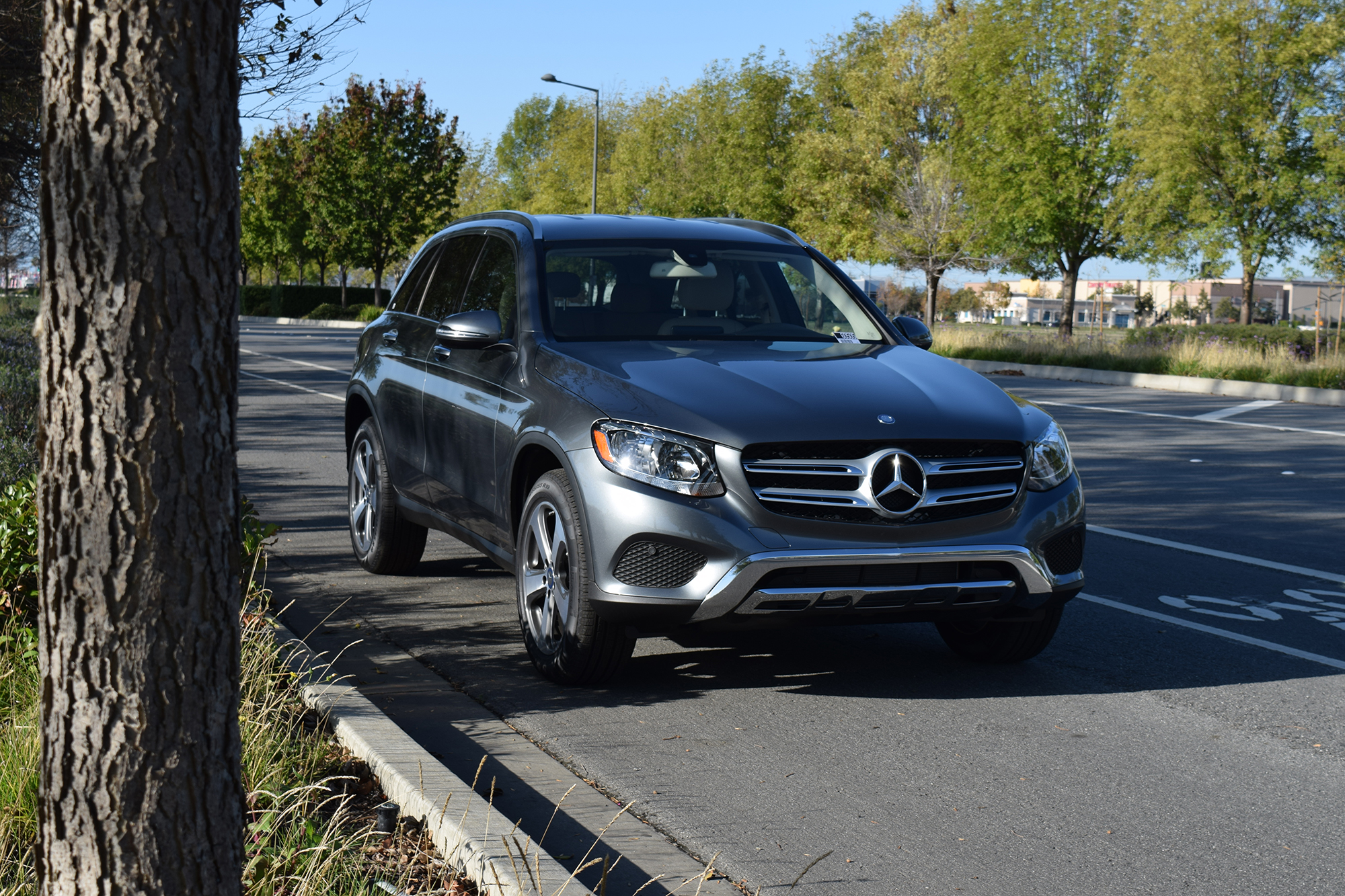 2016 glc suv motor trends suv of the year mercedes benz of maui. Black Bedroom Furniture Sets. Home Design Ideas