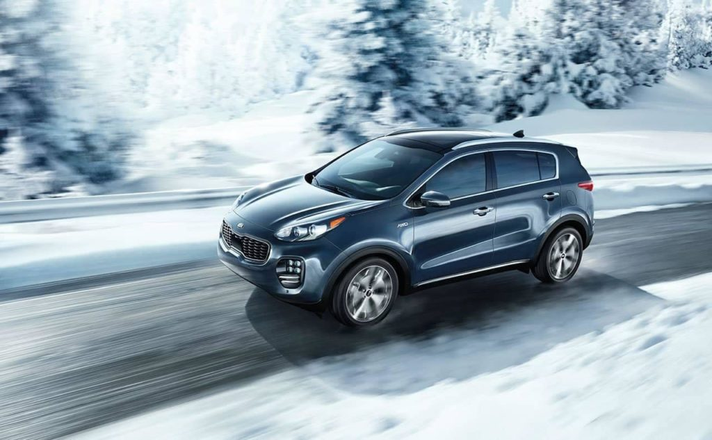 2019 Kia Sportage traversing the snow
