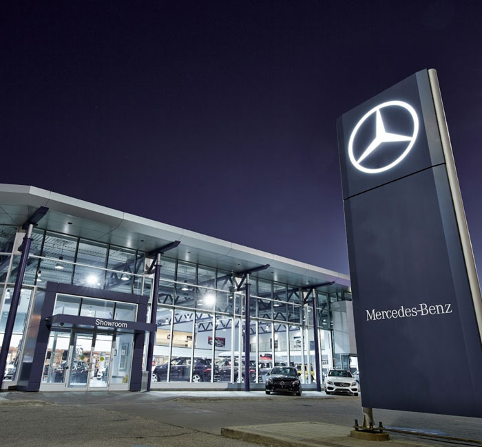 Mercedes benz mississauga ontario luxury auto dealer for Mercedes benz ontario dealers
