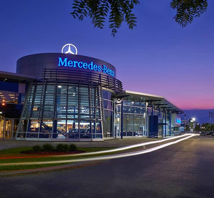 Mercedes benz mississauga ontario luxury auto dealer for Mercedes benz dealers in ontario
